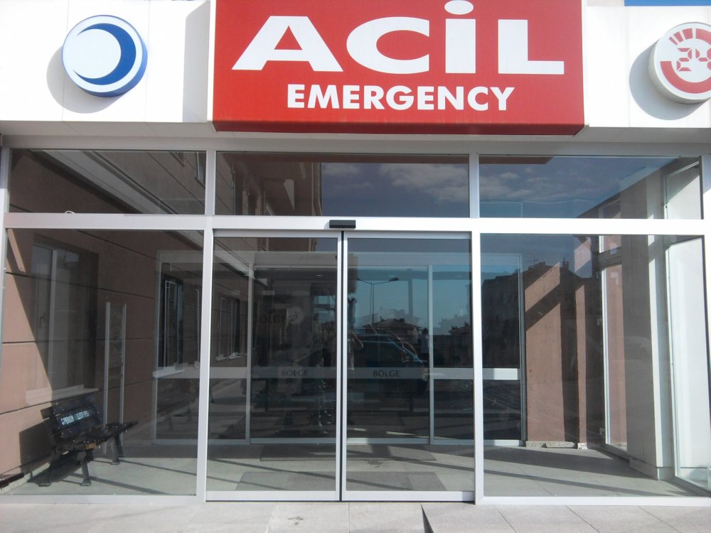 Satın al Hastane kapıları