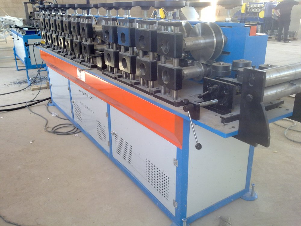 Satın al Roll Forming Machine