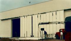 Hangar gates