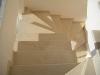 Bej mermerden merdiven