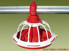 Feeding system for poultry