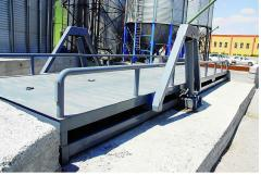 Lift platforms for maintenance