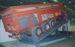 Loading and unloading ramps
