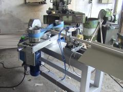 Equipment for the production of cardboard sleeves