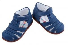Footwear for children and teenagers, leather