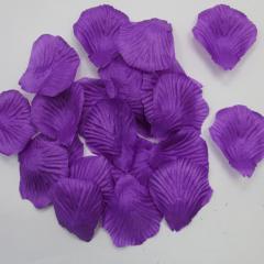 Mor Gül Yaprakları