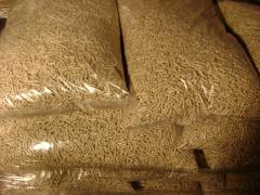 Quality wood pellets from oak, spruce , pine and beech woods