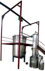 Manufacturing distiller