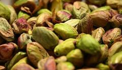 Quality Opened and closed pistachios nuts
