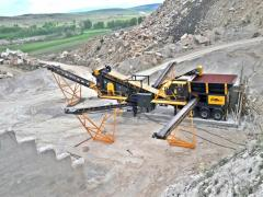 PRO 120 Mobile Impact Crushing and Screening Plant | Hydraulic Maintenance System