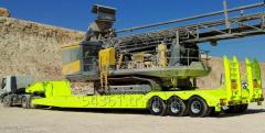 Semitrailers for machinery transportation
