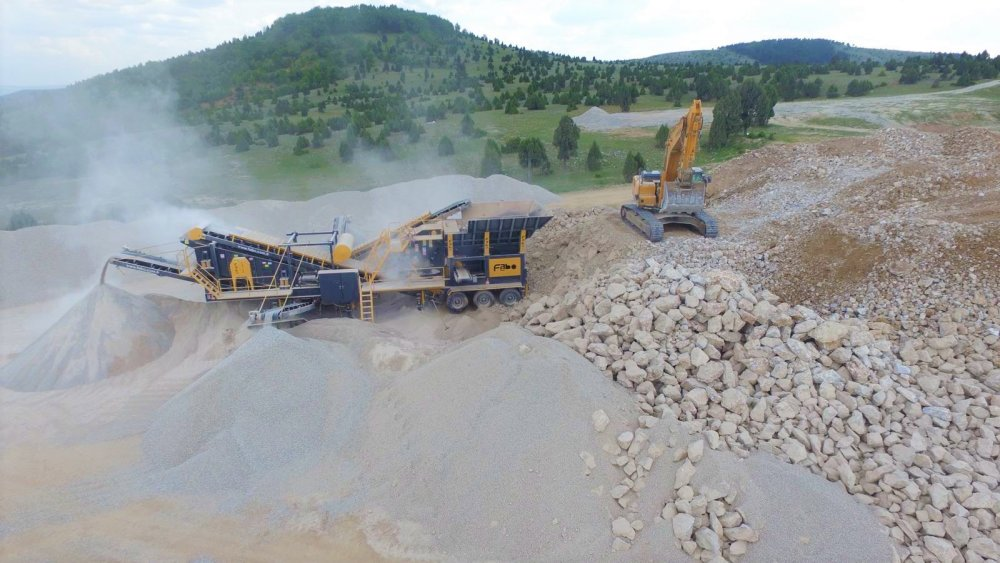 pro_90_mobile_impact_crushing_and_screening_plant