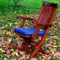 Krzesła z drzewa naturalnego
