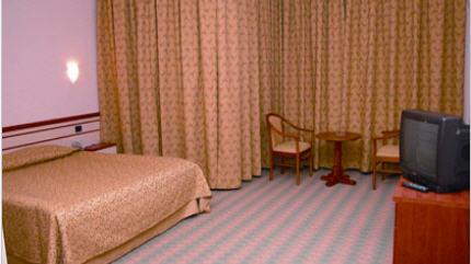 Sipariş Karaman - Ermenek Selçuklu Otel Aile Odasının Görünümü