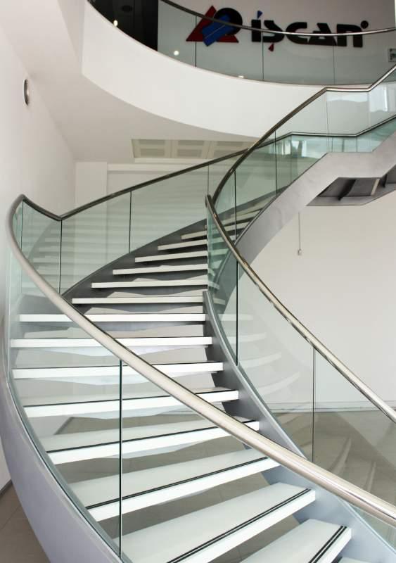 Sipariş Cam Korkuluklu Çelik Taşıyıcılı Helezon Merdiven